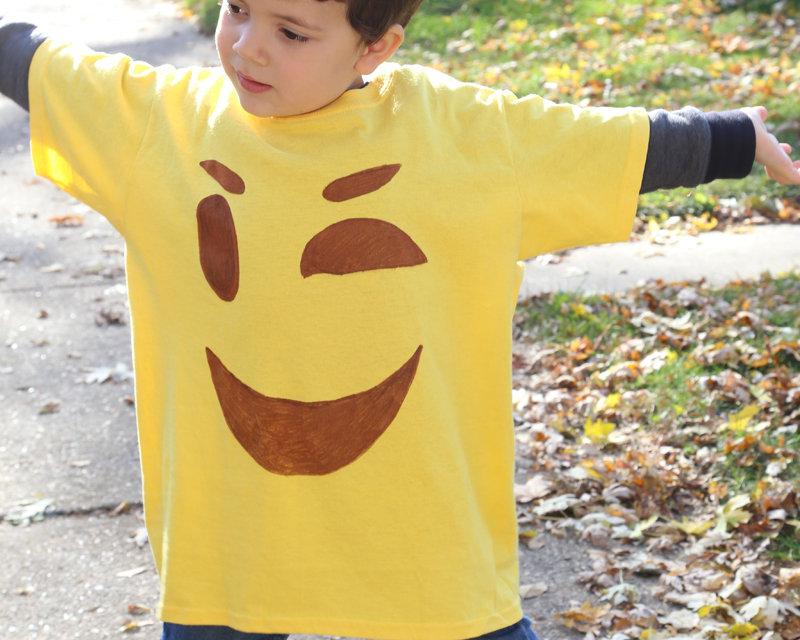 Make It: Easy Emoji T-shirt