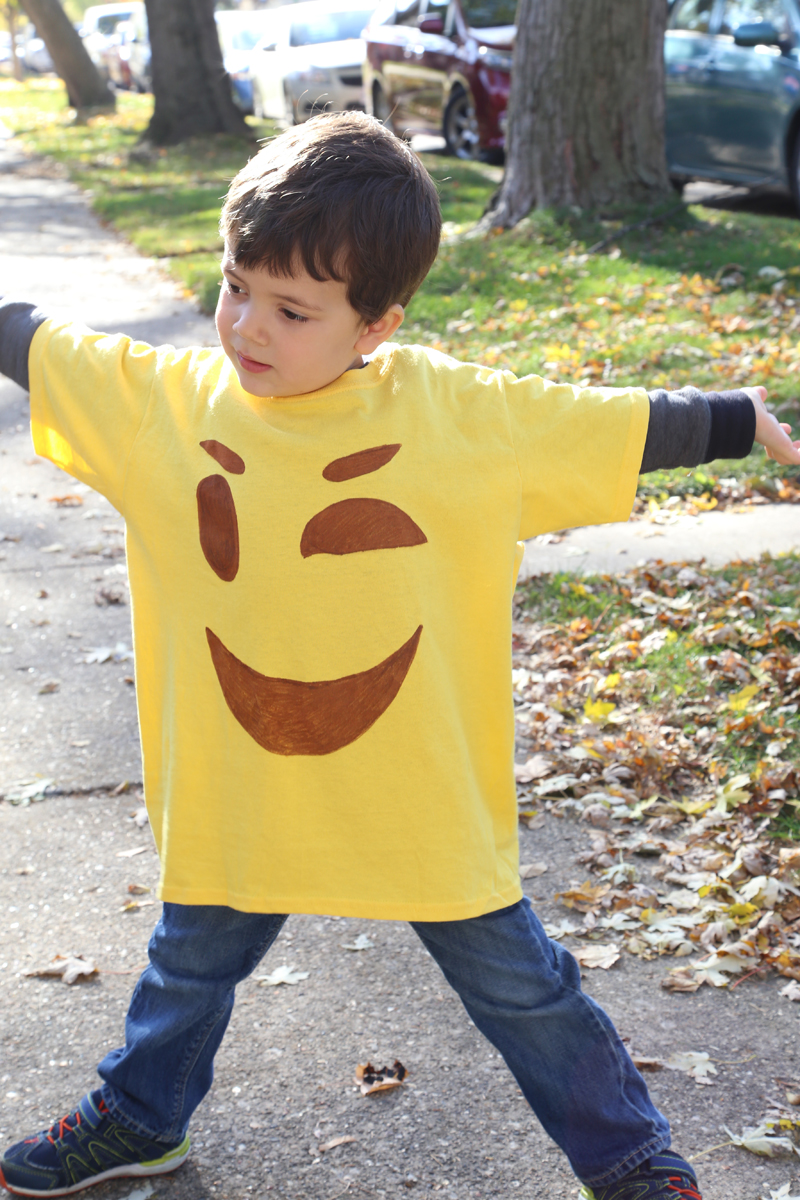 Easy DIY Emoji T-shirt