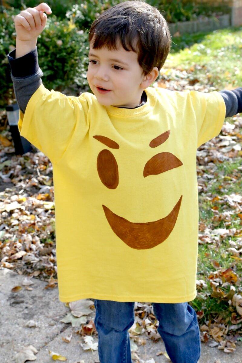 DIY Emoji T-Shirt