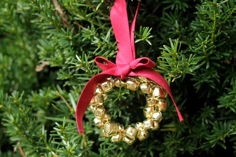 Jingle Bell Wreath Christmas Ornament Tutorial
