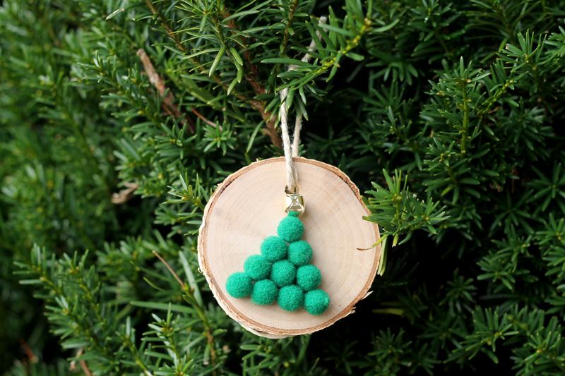 5-Minute Wood Slice Christmas Tree Ornaments